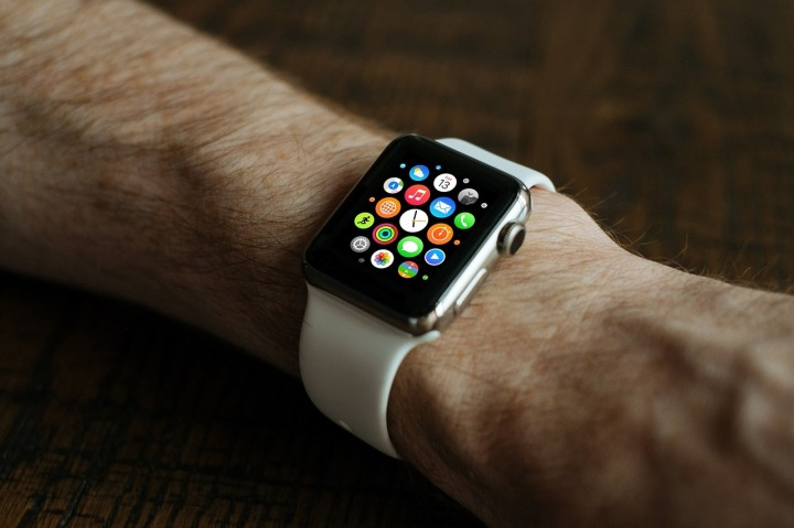 smart-watch-821559_1280-1